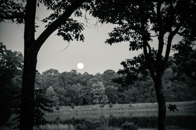 moon_rising_antiqued